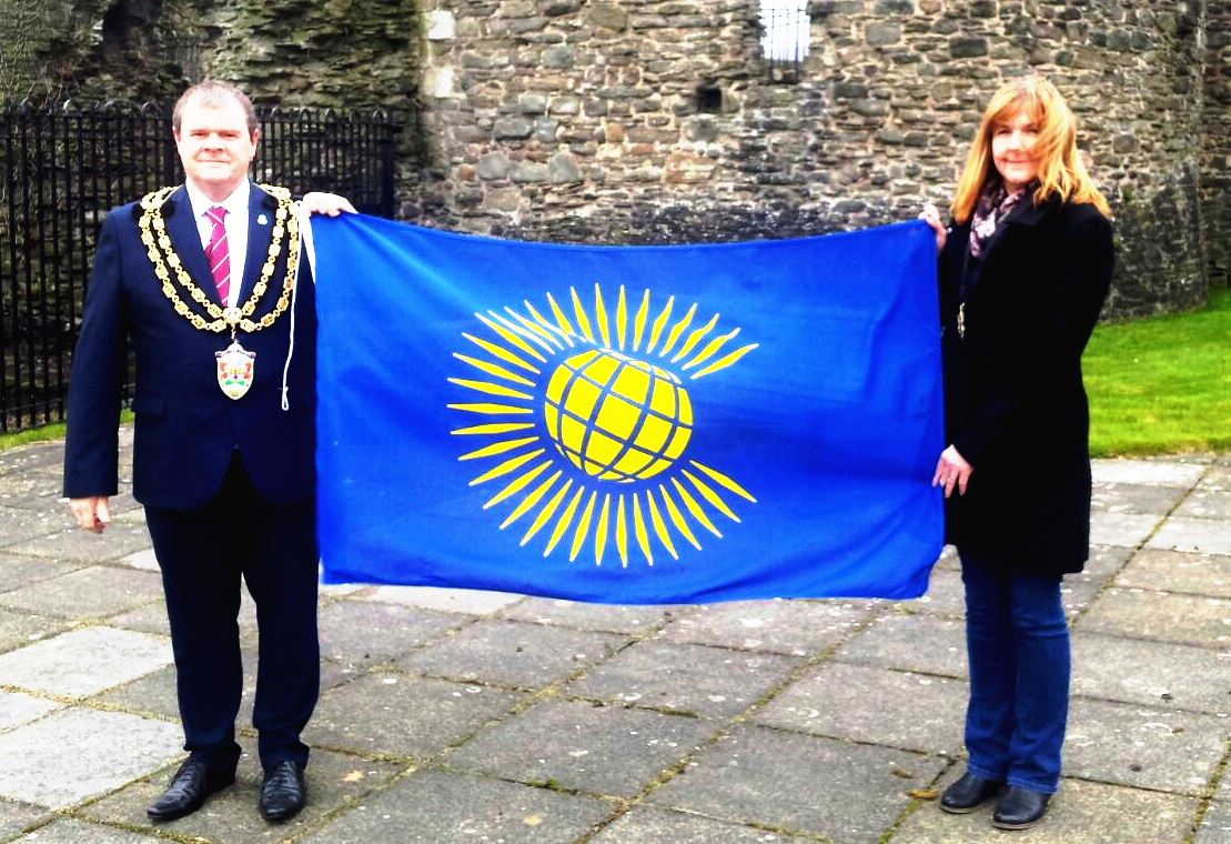 Mayor & Mayoress with Commonwealth Flag