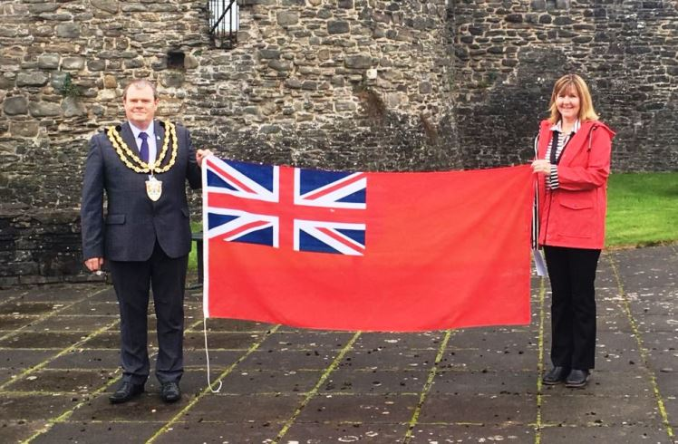 Mayor & Mayoress with Red Ensign flag