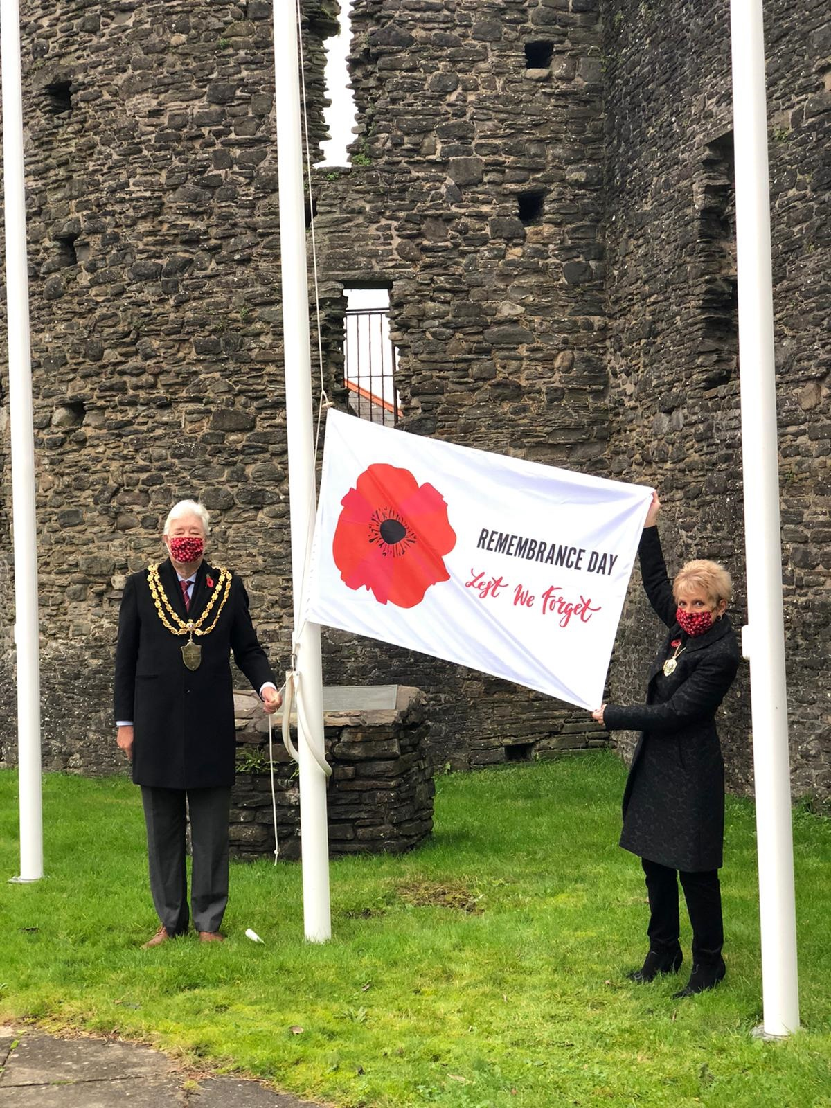 Mayor & Mayoress with Remembrance Flag