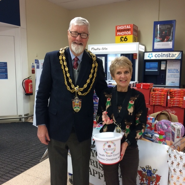 Mayor & Mayoress at the Tesco Toy Bank